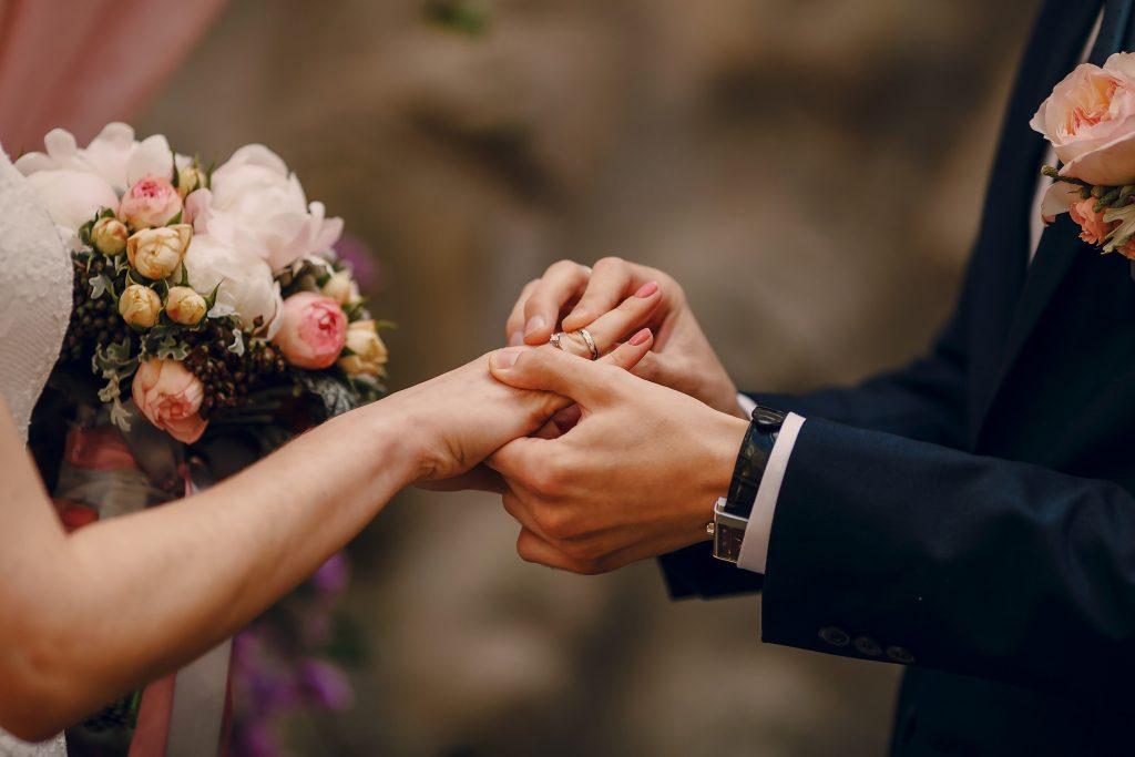 Svadby cez týždeň – Na lásku je vždy správny čas